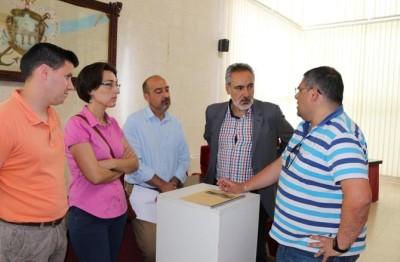 Reunión entre Cores Tourís y el teniente de alcalde de Cesures Á