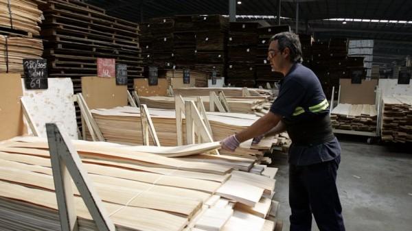 Finsa la principal maderera gallega lanza una l nea de for Muebles de cocina finsa